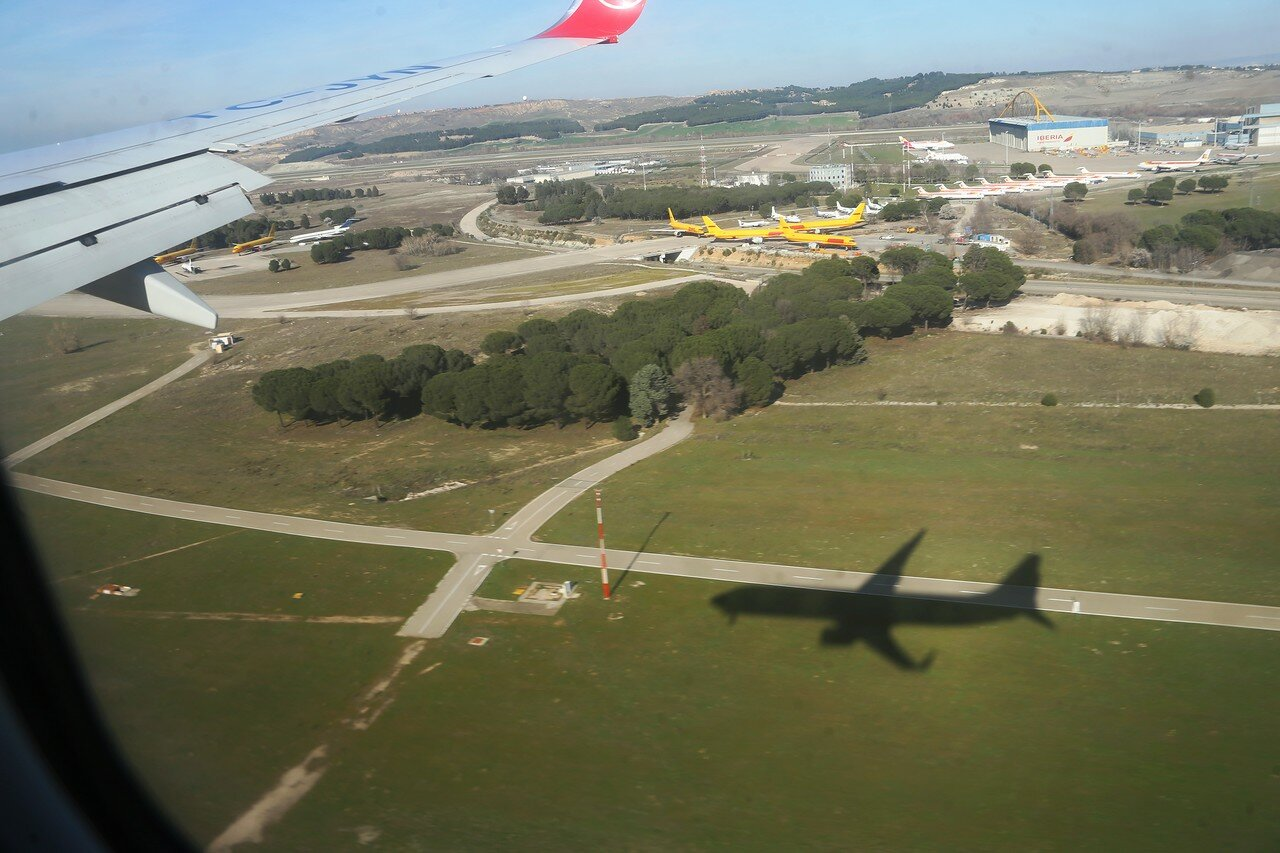 Посадка в аэропорту Барахас, Мадрид