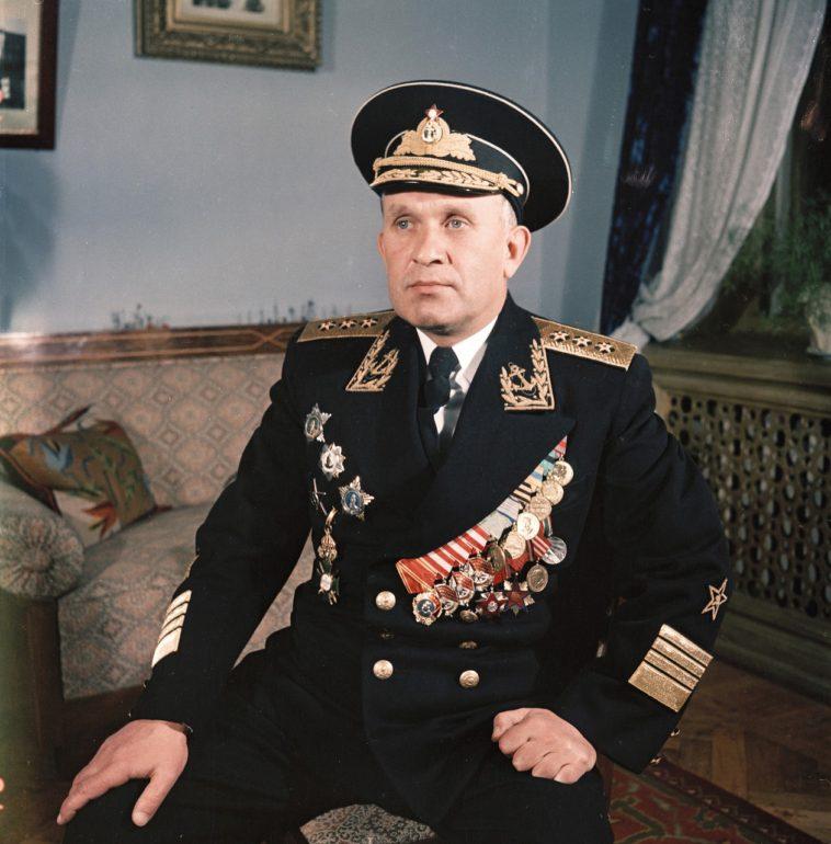Адмирал Горшков в форме. Крым, Севастополь, 1954.