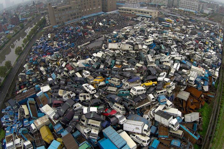 Китайские автосвалки (13 фото)