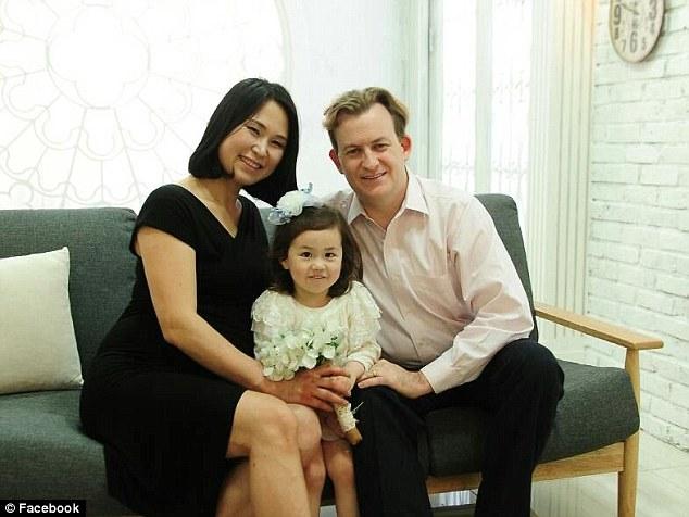 Роберт Келли переехал в Южную Корею в 2008 году, чтобы преподавать политологию в Пусанском националь