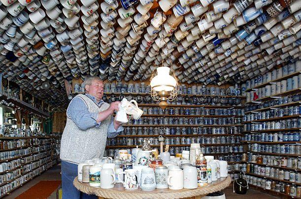 Валли Хаммер обладает коллекцией резиновых уток, обшей численностью в 2470 штук.