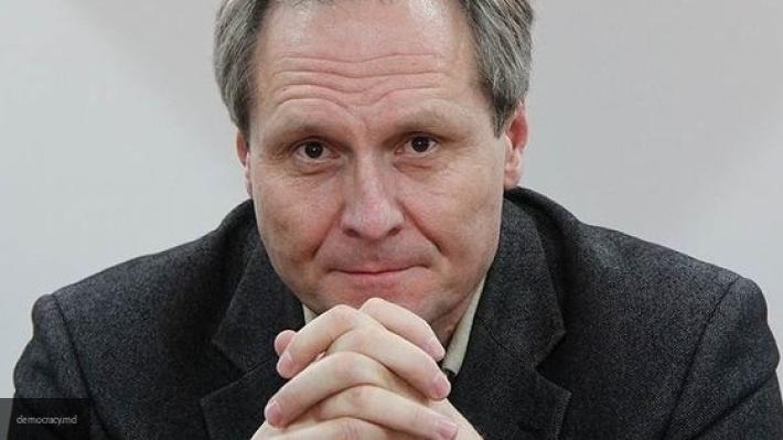 «Коммерсантъ» назвал вероятную причину отзыва посла Молдавии в РФ