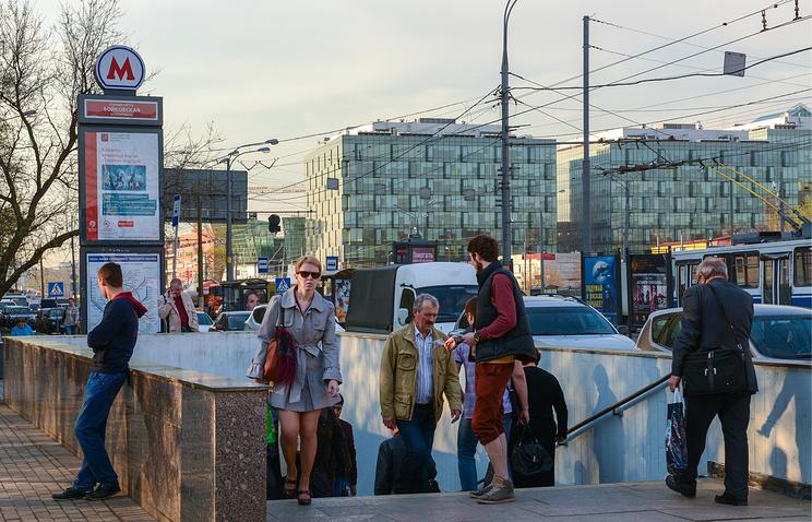 20160705_16-42-Москвичи выступают за новое название станции МКЖД около метро Войковская