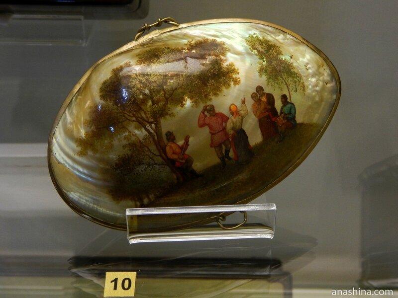 Шкатулка с росписью по раковине, Федоскинская лаковая миниатюра