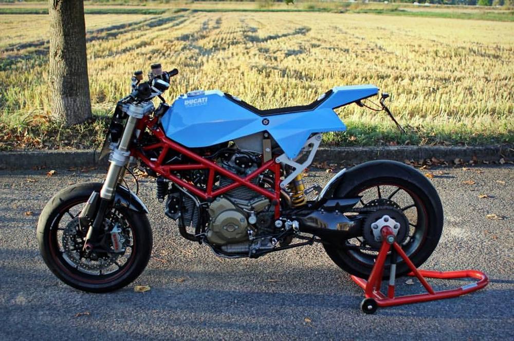 Vtopia Design: кастом Ducati Hypermotard