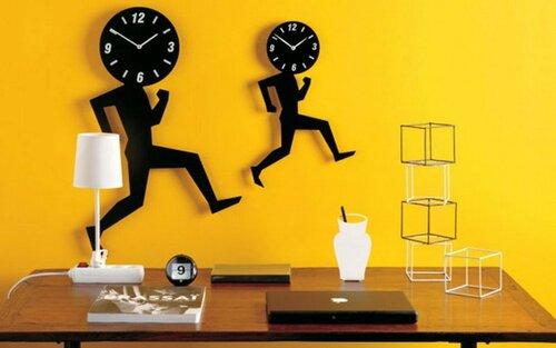 Часы в интерьере квартиры