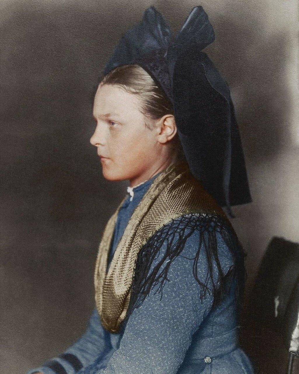 Девушка из региона Эльзас-Лотарингия. 1910