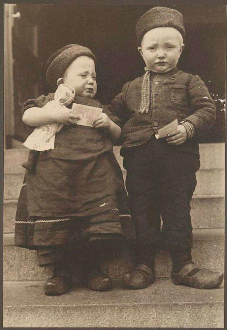 Голландские дети