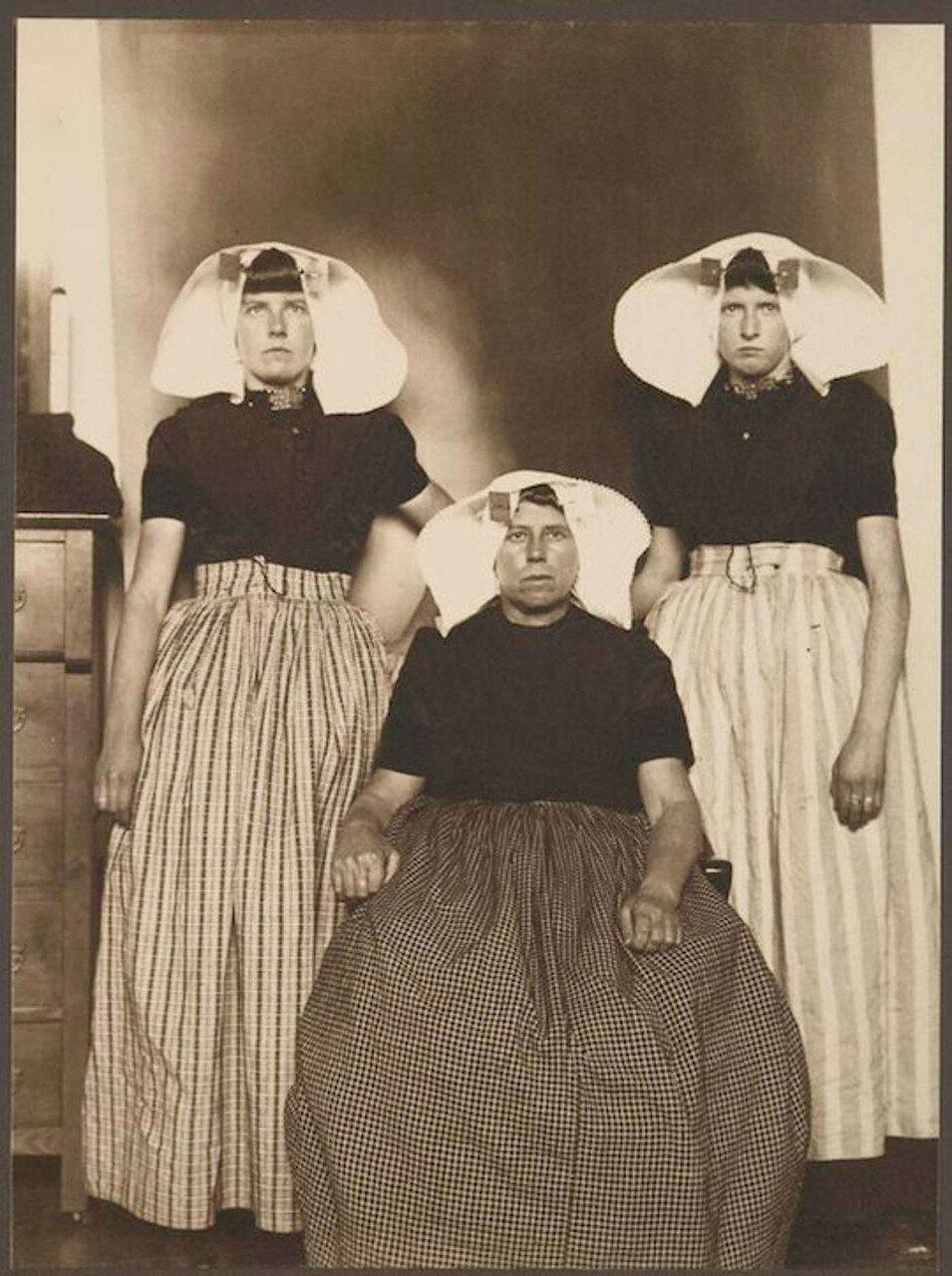 Три голландки