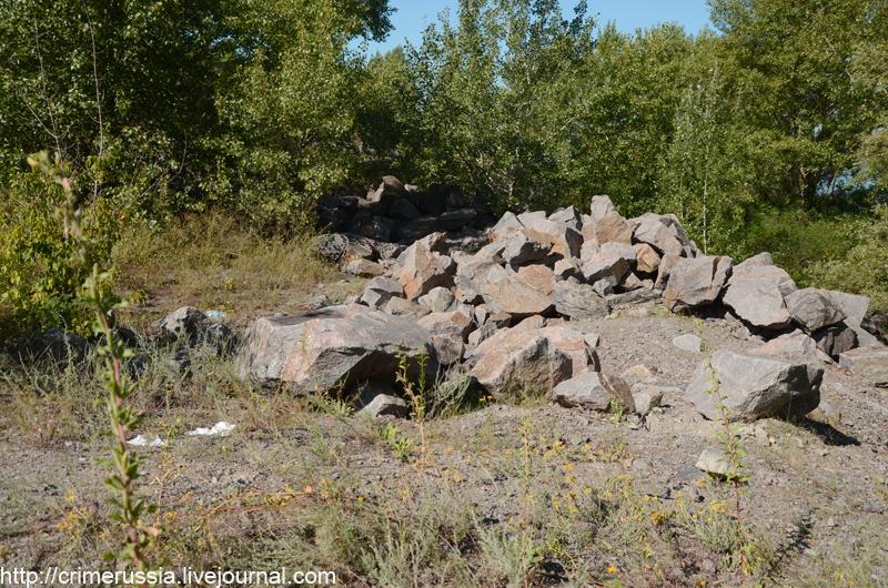 камни разбросанные