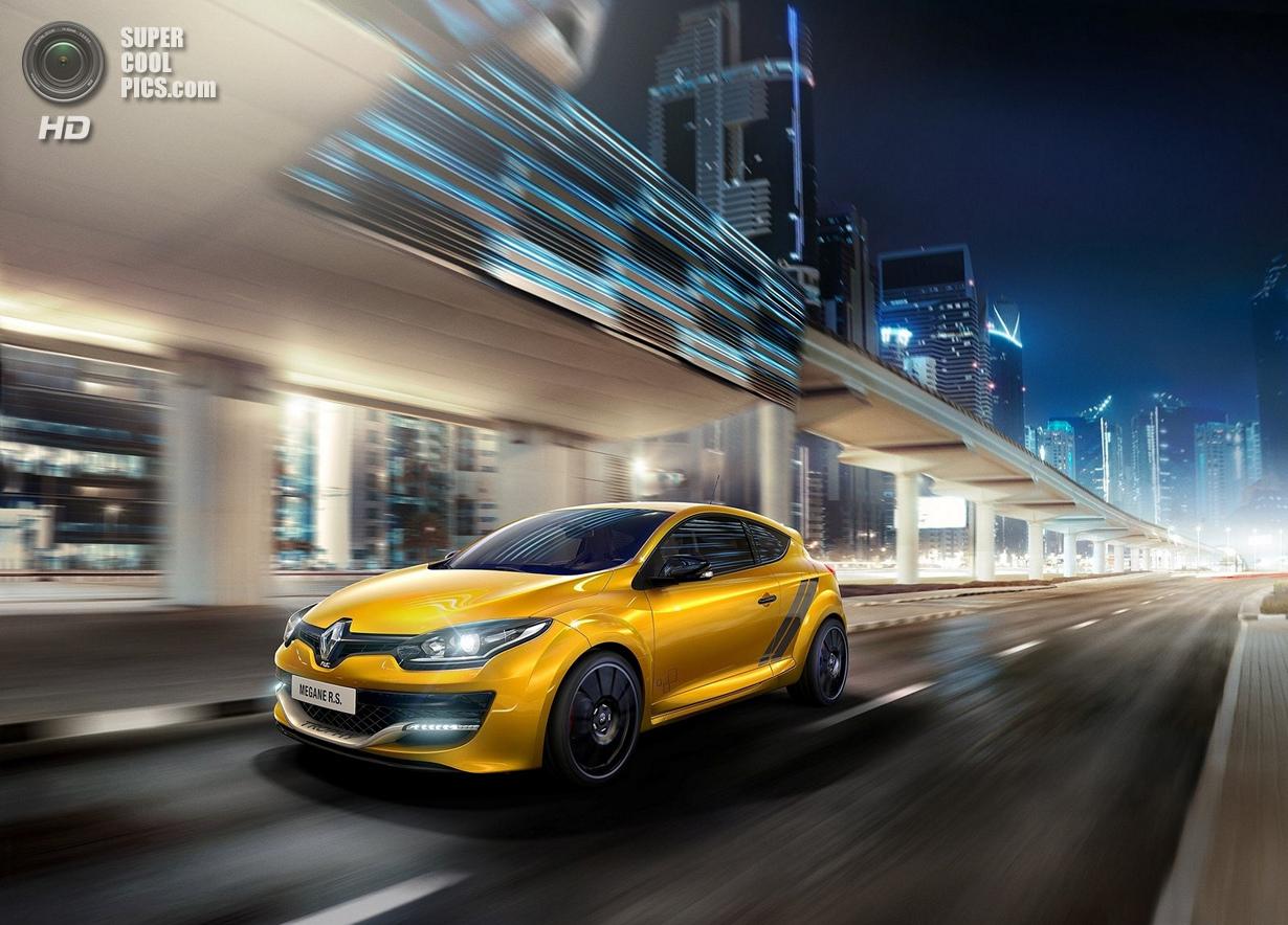 Renault представила свой самый экстремальный хэтчбек (11 фото)