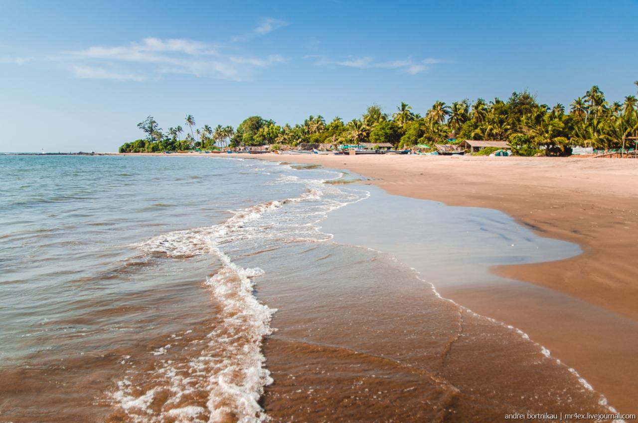 Пляжи Северного Гоа с описанием, Морджим, Русская деревня