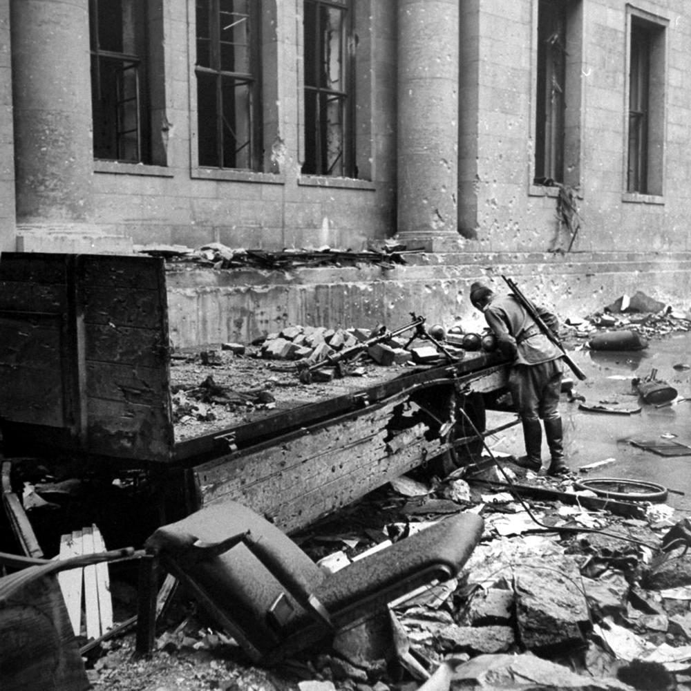 Падение Берлина на фотографиях весны 1945 года (12)
