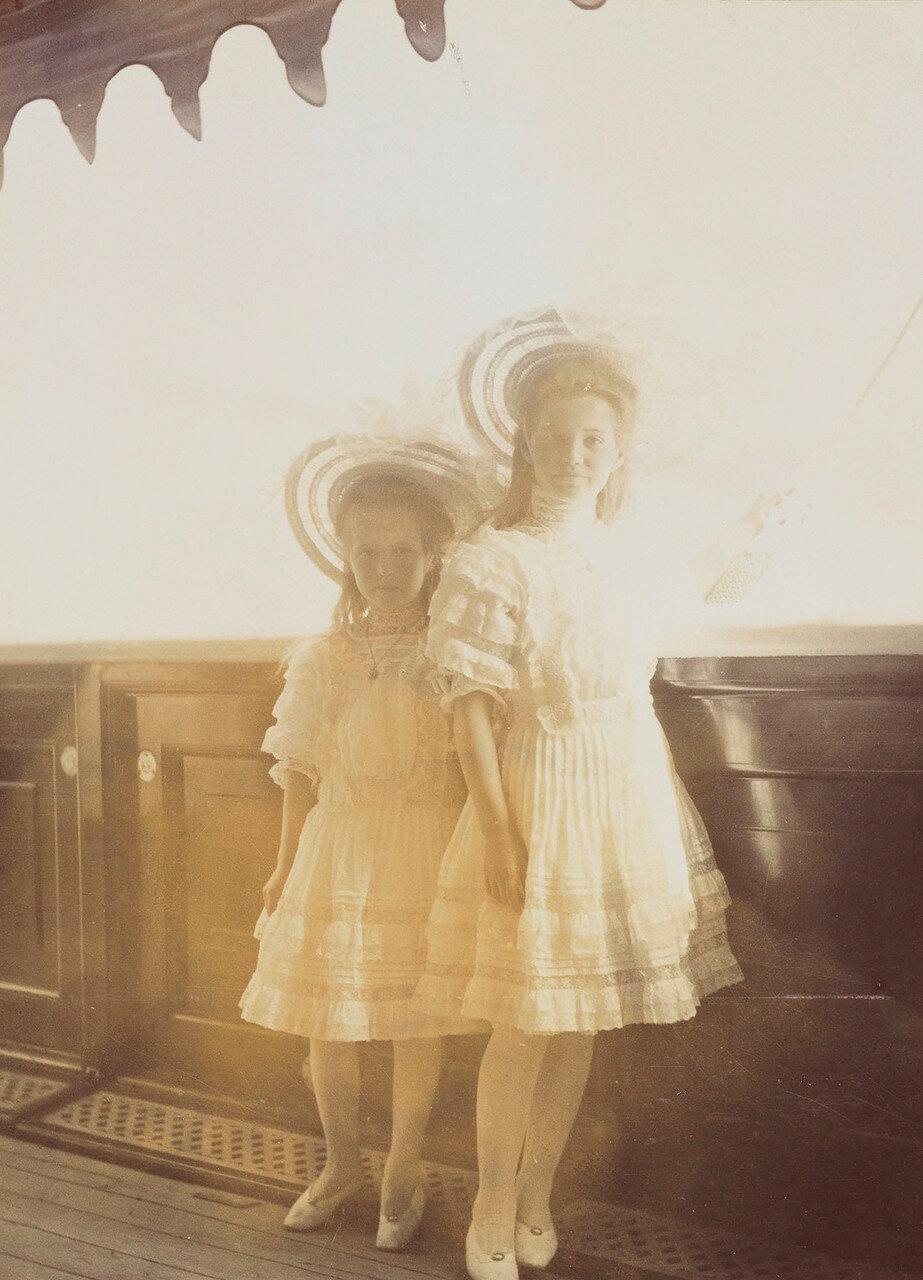 10. Великие княгини Мария и  Анастасия
