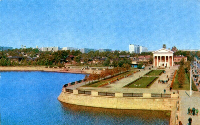 Челябинск. Набережная реки Миасс. Фото Б. Погорелого, 1974 г.