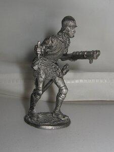 Европейский воин с ручной пушкой