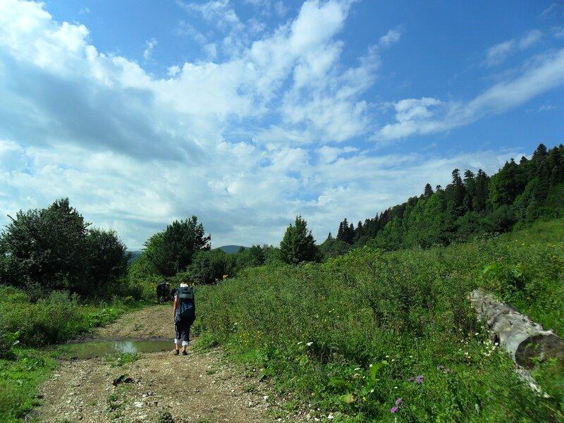 В походе, на дороге к плато Лагонаки ... SAM_0777.jpg