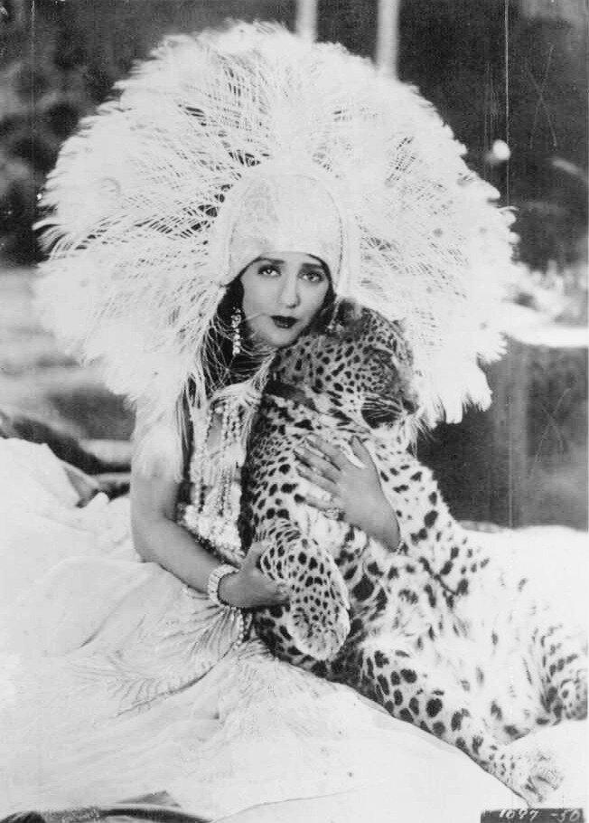 Bebe Daniels 1927