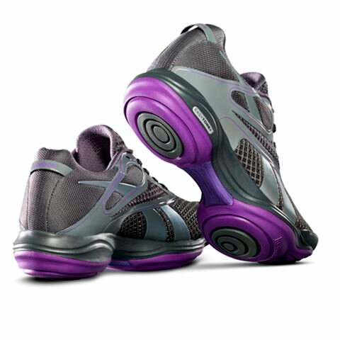 Reebok представляет женскую коллекцию одежды и обуви сезона Весна-Лето 2012