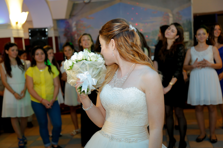 Во сне поймать букет невесты на свадьбе