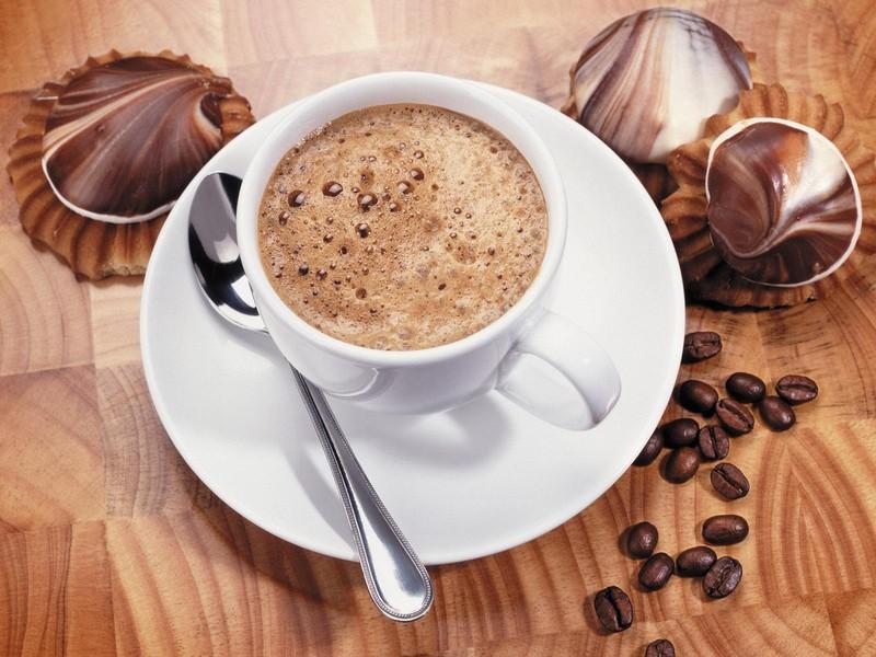 Источник: AdMe.ru 1. Кофе «Офламерон» (рецепт 1901 года) Ингредиенты (на 1 порцию): 1 ч. л. кофе (го