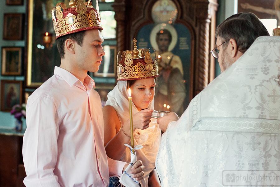 свадебная фотография репортаж венчание  Венчание в Свято Макарьевской церкви