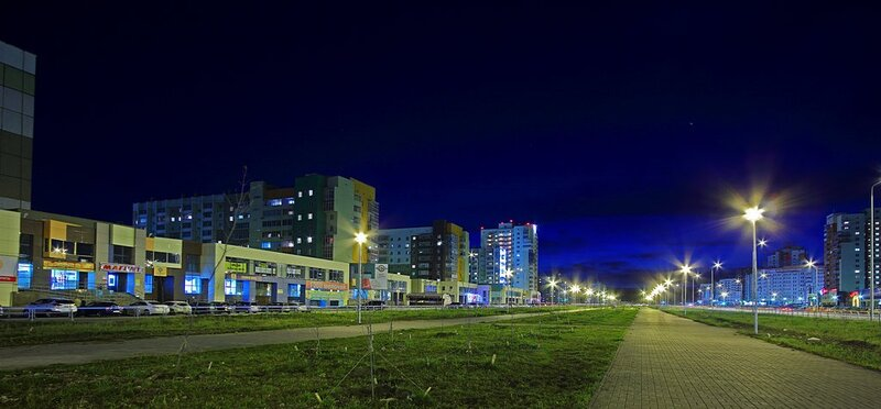Челябинск, ул. Академика Королева. Ночной снимок