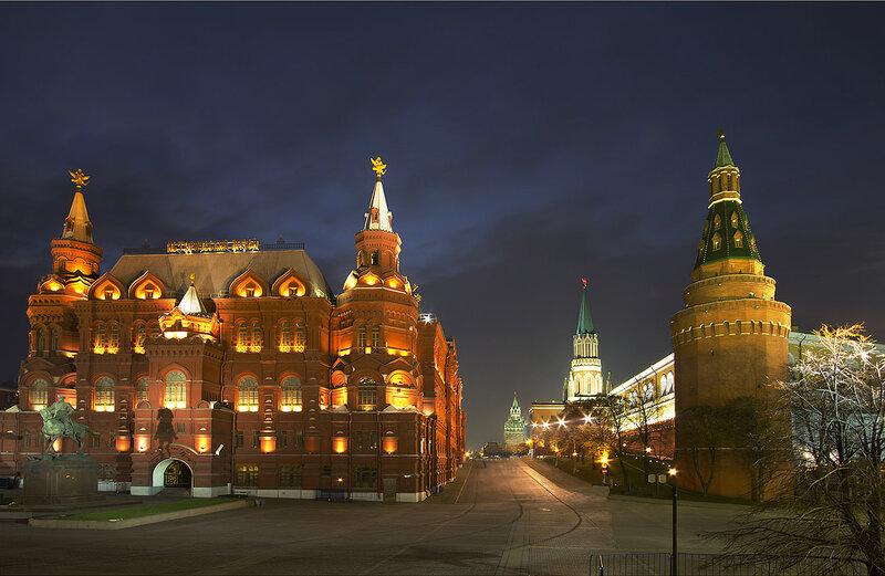 Кремль ночью.