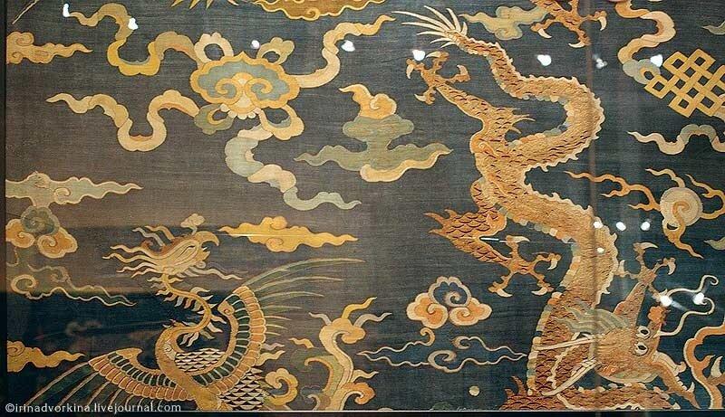 Ткань с драконом и фениксом. Китай, XVII—XVIII вв.