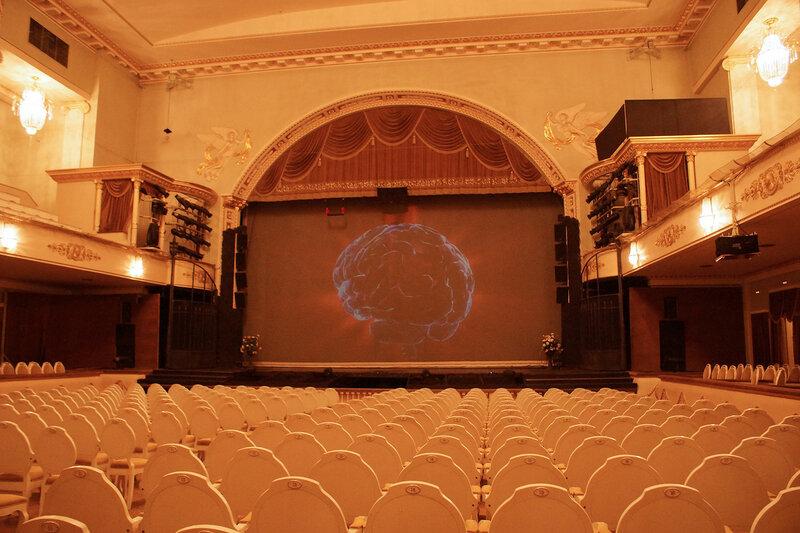 Зал театра Музкомедии, Питер