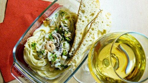 """""""Счастье вдруг, в... Спагетти с морским коктейлем в сливочном соусе."""