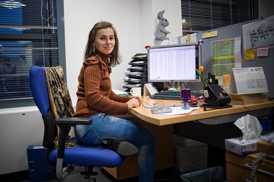 Работа в москве в офисе для девушек работа для девушки в воронеже без опыта