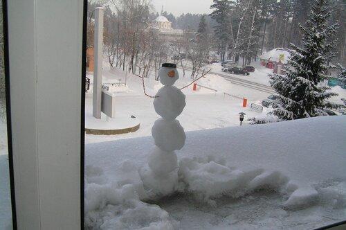Снеговичок с подробностями