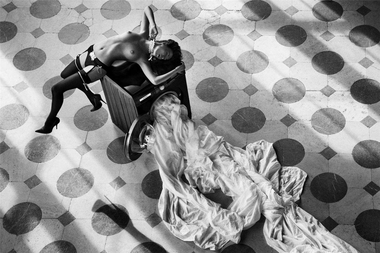 Эротичные девушки черно белое фото 1 фотография
