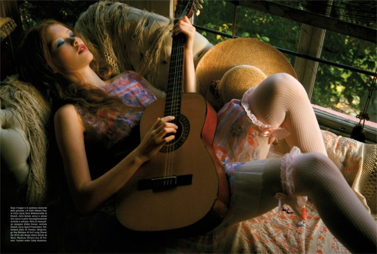 модели Julia Hafstrom and Gwen Loos / Джулия Хафстрем и Гвен Лус, фотограф Ellen von Unwerth