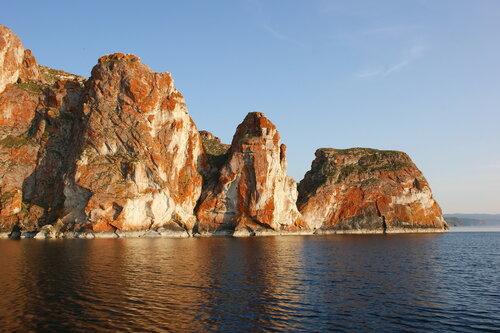 Фактурные берега Байкала