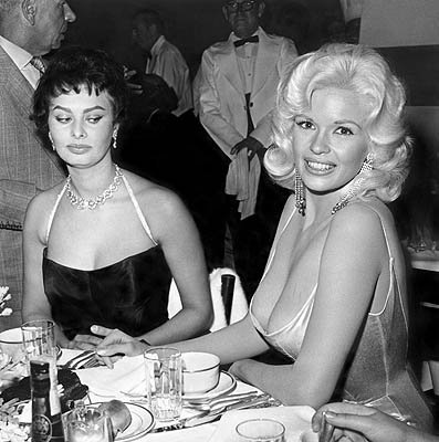 Jayne Mansfield and Sophia Lorenat Romanoff's in Beverly Hills, c. 1958.© 1978 Joe Shere