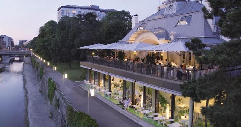 15. Steirereck Вена, Австрия Место в списке прошлого года: 16 Сколько лет в списке: 7 Хайнц Райтбауэ