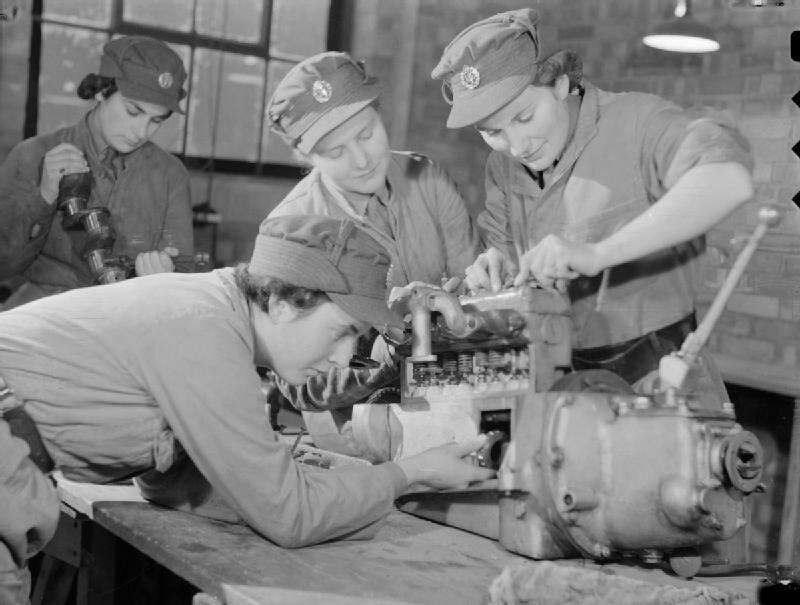 At_An_ATS_Motor_Transport_Company_Training_Centre,_Camberley,_Surrey,_1941_D5715.jpg