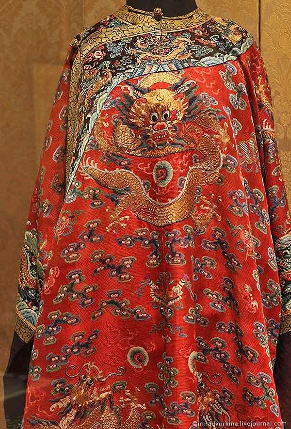 Женский халат лунпао. 162х142 см. Китай, кон. XIX в.