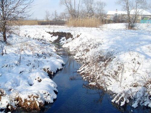 Зима, речка, домик