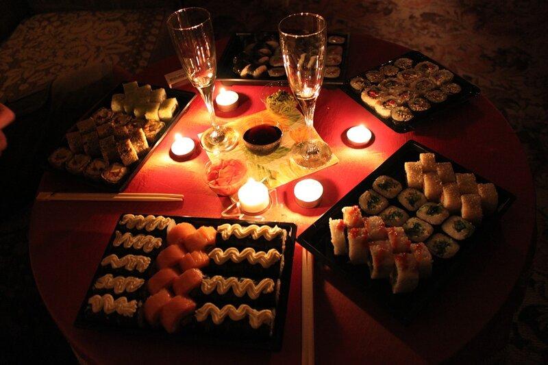 Как сделать стол при свечах