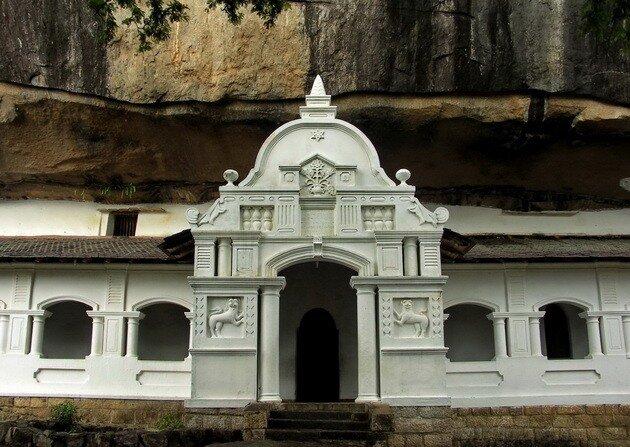 Пещерный Храм в Дамбуле. Шри-Ланка