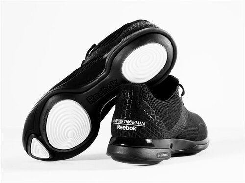 Emporio Armani и Reebok запускают лимитированную линию спортивной обуви EasyTone Shoe - всего 1111 пар на весь мир