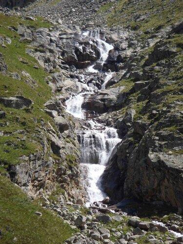 водопадистая река