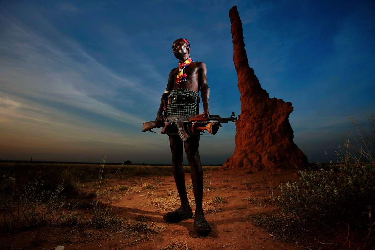Дикари с автоматами на снимках фотографа из ЮАР Brent Stirton (4)