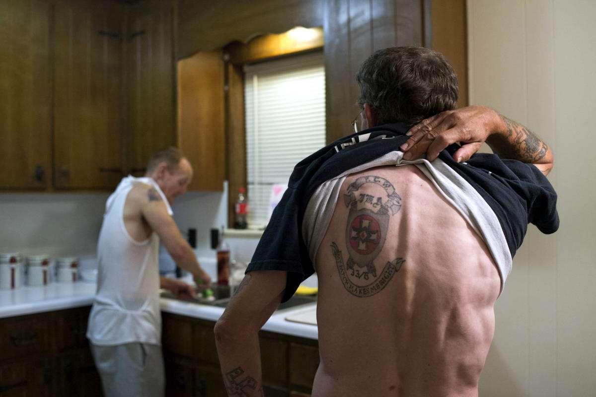 Торжество толерантности: Американский Ку-Клукс-Клан в новой подборке снимков фотографа Johnny Milano (5)