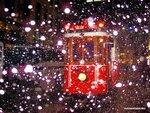 Белое на красном (Стамбул, Турция)