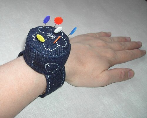 Игольница своими руками браслет