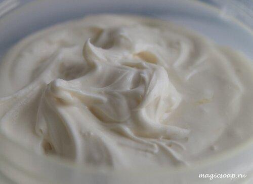 Жирный крем для кожи - взбитое масло какао (пошаговый рецепт)